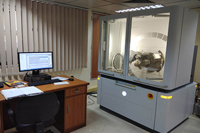 X-ray diffractometer (XRD)