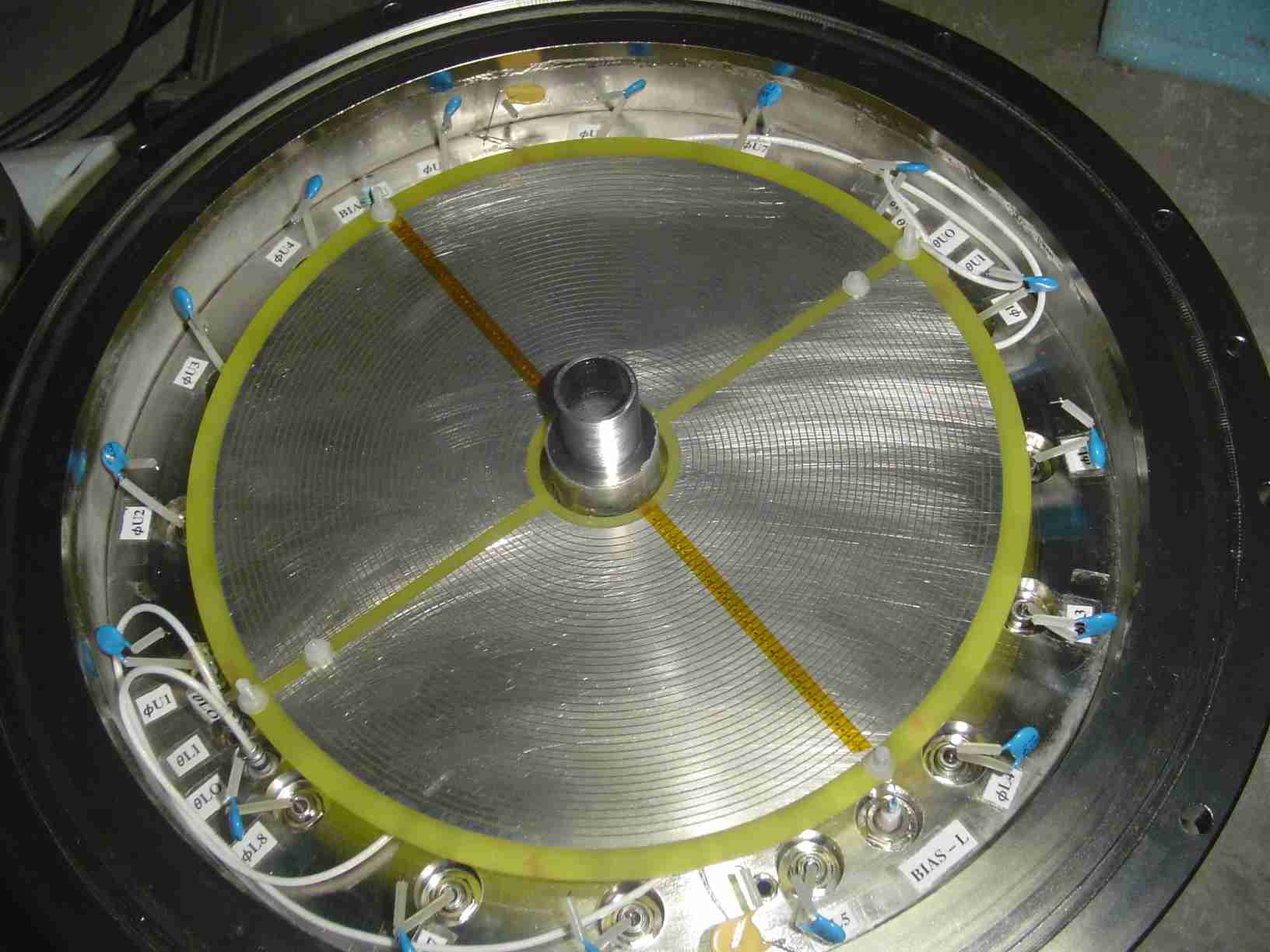 Annular PPAC electrode