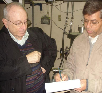 Visit by Dr Ilan Ben-Zvi of Brookhaven National Lab, to IUAC (January 2011).