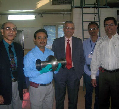 Visit by Dr Anil Kakodkar, Chairman-DAE, to see the first 1.3 GHz TESLA-type niobium cavity developed jointly by RRCAT and IUAC (November 2009).