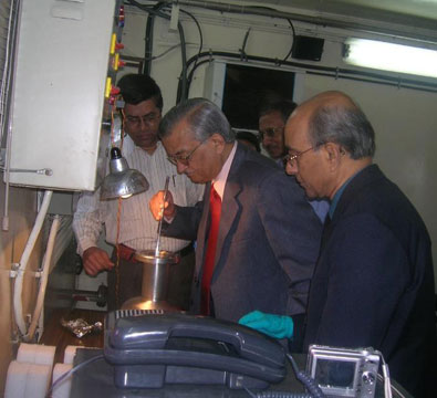 Dr Anil Kakodkar, Chairman-DAE, inspecting the first 1.3 GHz TESLA-type superconducting niobium cavity jointly developed by RRCAT and IUAC (November 2009).